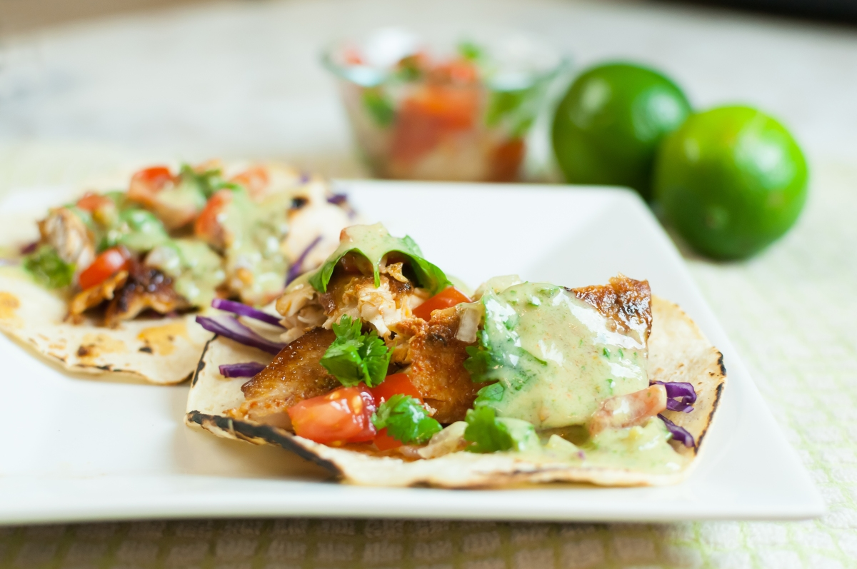 Blackened grilled fish tacos with cilantro lime crema for Suggestions for sides for fish tacos